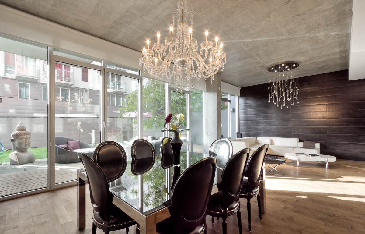 Are crystal chandeliers in style Karlas World