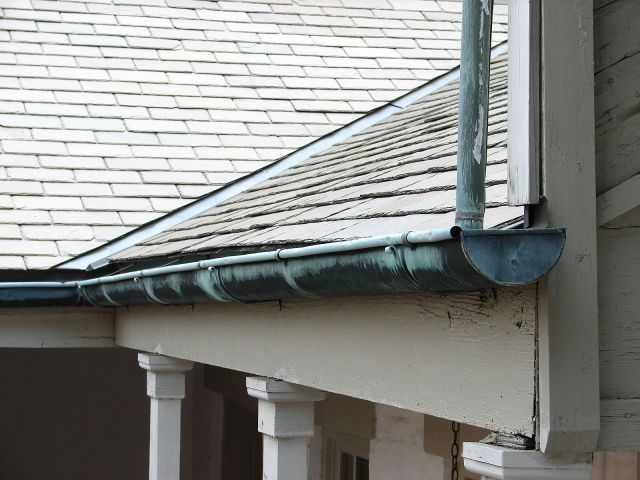 Gutter_1850s_House_New_Orleans
